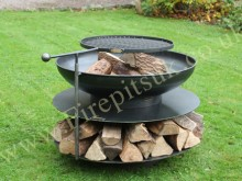 Ring of Logs with arm bbq Web