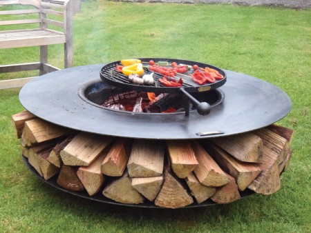 Ring of Logs 120 Flat with BBQ Swing arm web